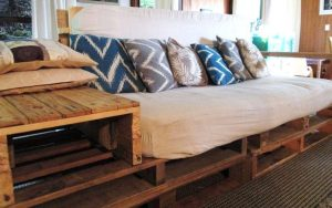 Madera Reclamada Pallet-couch-front-pic
